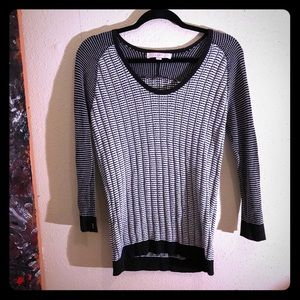 👠NEW ITEM👠EUC LOFT  b/w print light sweater